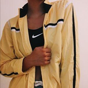 suppper hip yellow rain jacket!!